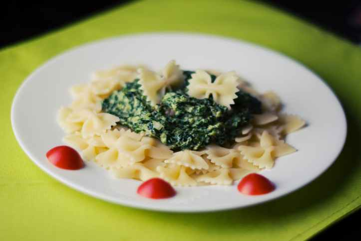 food pasta spinach farfalle