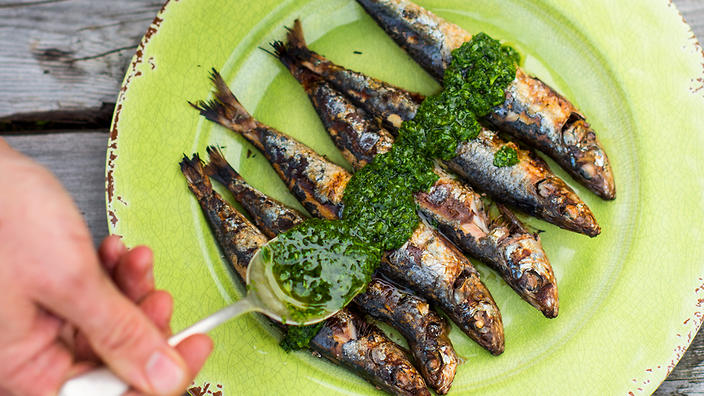 chargrilled-sardines-green-sauce