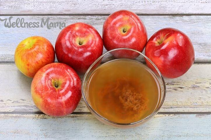 how-to-make-apple-cider-vinegar-at-home-from-apple-scraps