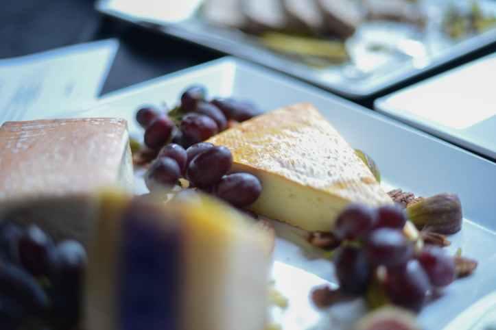 berries cake delicious dessert